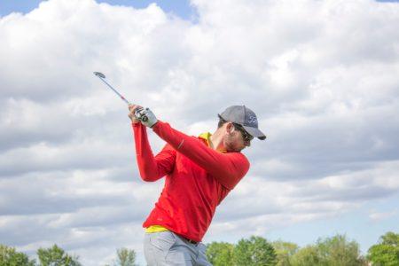 ゴルフスイングの勘違い|腕は伸ばさないとダメなの?